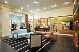 Wide shot of the inside of a Kate Spade New York store
